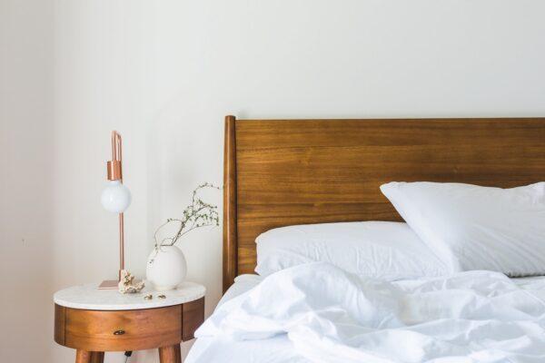 5 sposobów jak stworzyć styl rustykalny w sypialni